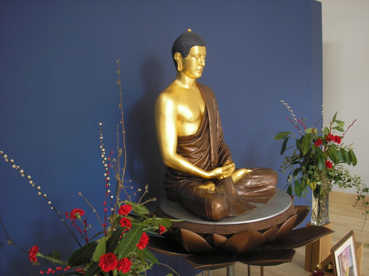 The Shakyamuni rupa at Ipswich Buddhist Centre